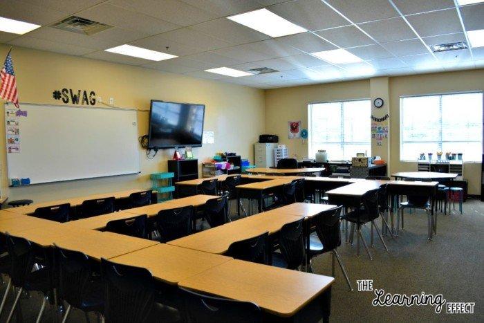 classroom desks in rows