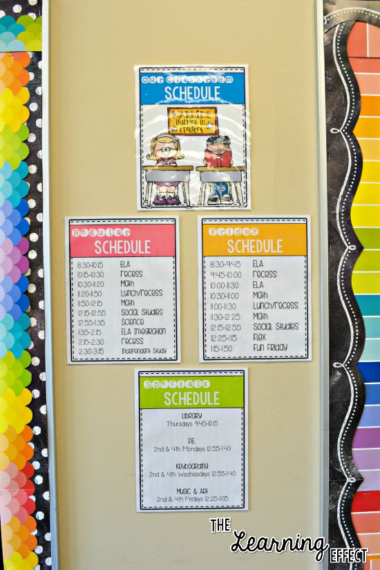 daily classroom schedule on classroom wall
